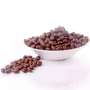 שקד-מצופה-בשוקולד-חלב